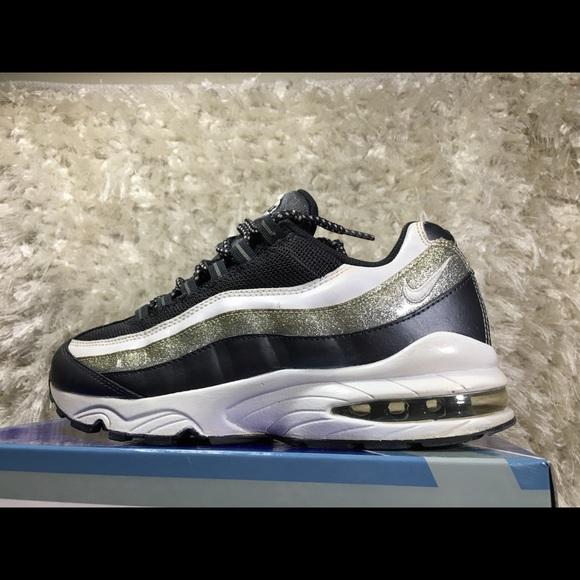 f81d40d4ede0 ... White Vivid Pink 171958441  Nike Air Max 95 WM Metallic Size 8.5   United Kingdom Women ...